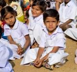 KIDS SITTING-SC-WIDTH 160px_HT 150px