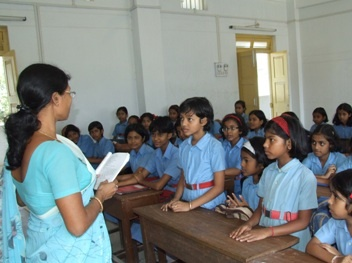 students_in_classroom_article