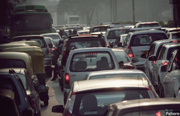 Cars_Traffic_620