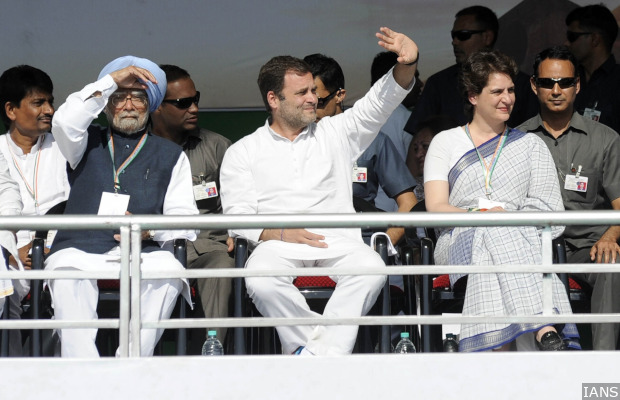Gandhinagar: Congress President Rahul Gandhi with party leaders Manmohan Singh and Priyanka Gandhi during a party rally in Gandhinagar, on March 12, 2019. (Photo: IANS)