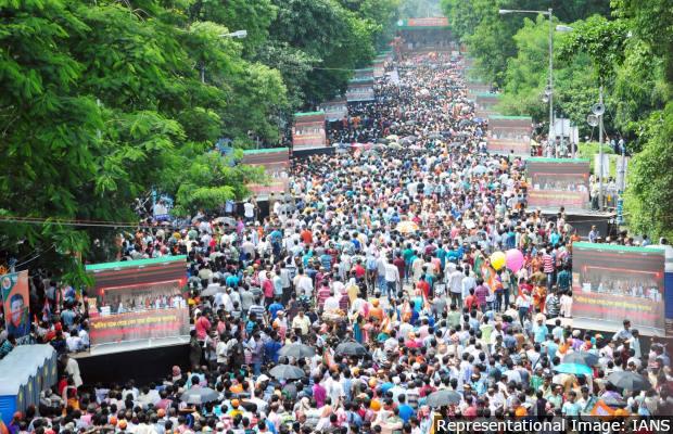 Kolkata: BJP supporters at party chief Amit Shah's rally at Kolkata's Mayo Road on Aug 11, 2018. (Photo: Kuntal Chakrabarty/IANS)